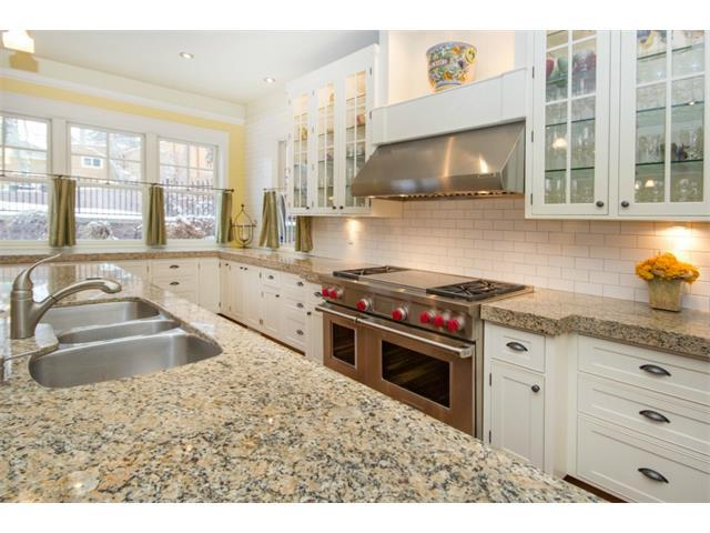 kitchen-HAMILTON & GRIMSBY HOME RENOVATIONS